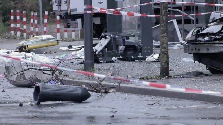 Atac terorist în Germania. Zece persoane au fost rănite, după ce o maşină a intrat într-o staţie de autobuz