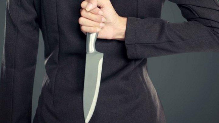 CRIMĂ ÎNFIORĂTOARE. O mamă și-a înjunghiat bebelușul cu 21 de lovituri de cuțit, pentru că nu se oprea din plâns (FOTO)