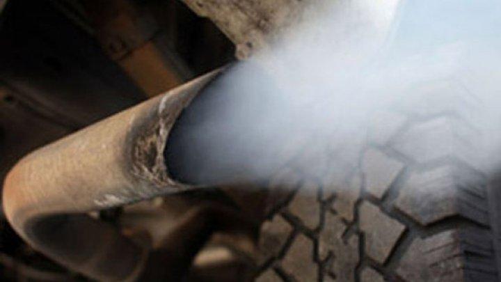 UE vrea să reducă emisiile de CO2 de la autoturisme cu 37,5%. Industria auto consideră obiectivul nerealist