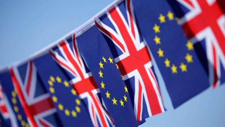 Un grup de militanţi au trimis premierului May o petiţie pentru organizarea unui al doilea referendum privind Brexitul
