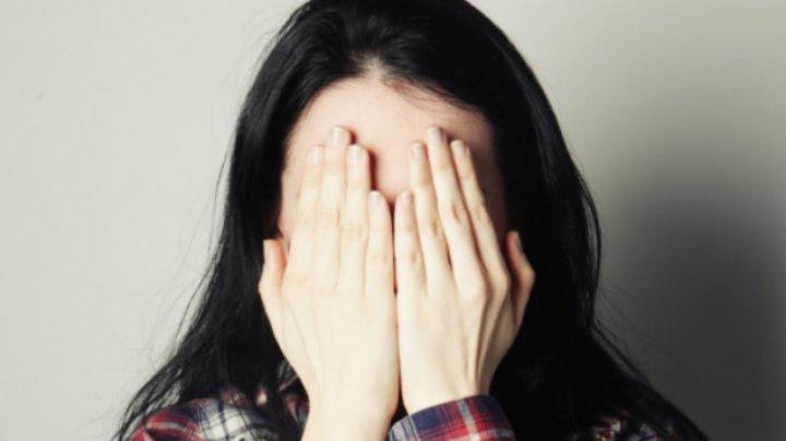 Depresia, depistată pe internet. Cum se manifestă persoanele care trec printr-o perioadă dificilă