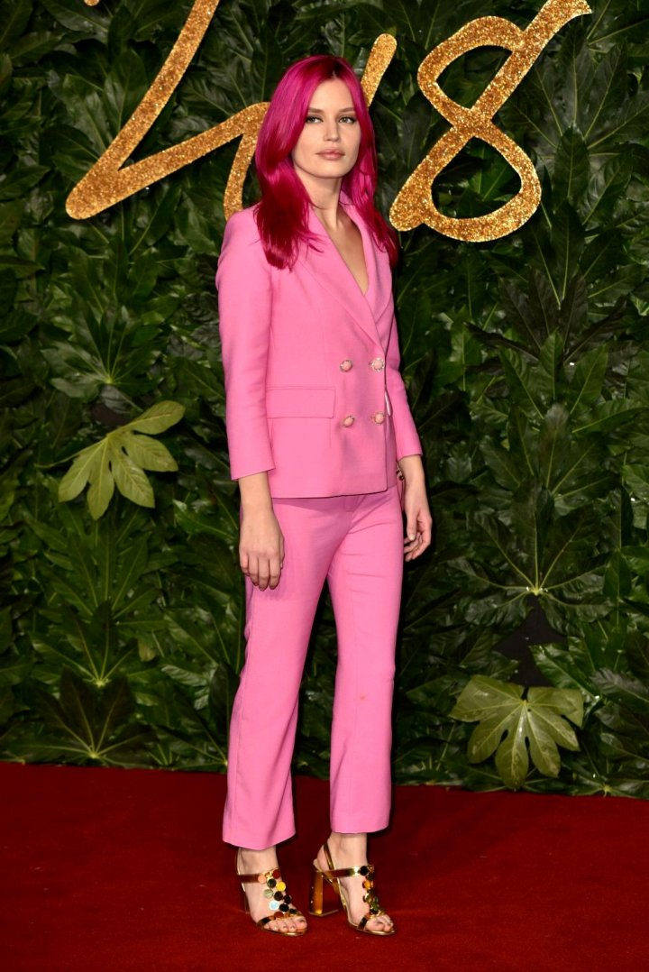 Apariții spectaculoase la British Fashion Awards 2018. Cum s-au îmbrăcat celebrităţile (GALERIE FOTO)