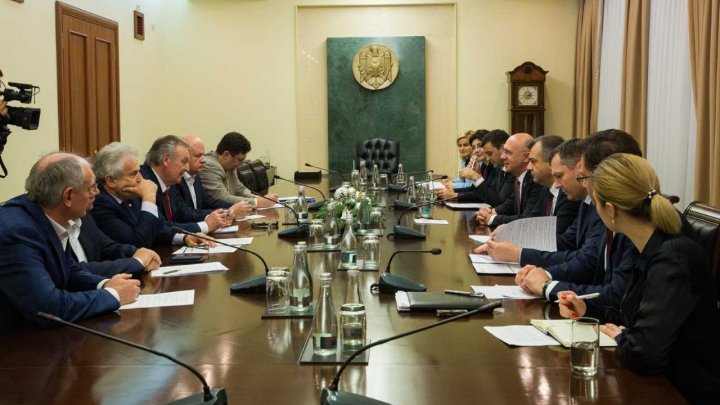 Pavel Filip, în dialog cu Patronatele: Este necesară revizuirea listei rapoartelor statistice solicitate de la agenții economici de către BNS