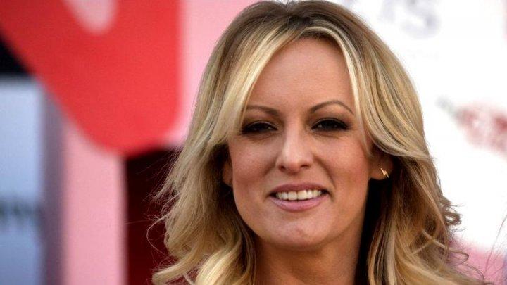 Actriţa porno care a devenit cunoscută după ce a afirmat că a întreţinut relaţii cu Donald Trump, OBLIGATĂ să-i ACHITE preşedintelui O SUMĂ IMPUNĂTOARE
