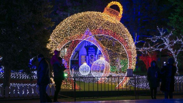 S-a deschis Târgul de Crăciun din Chișinău. Ce suprize vă așteaptă