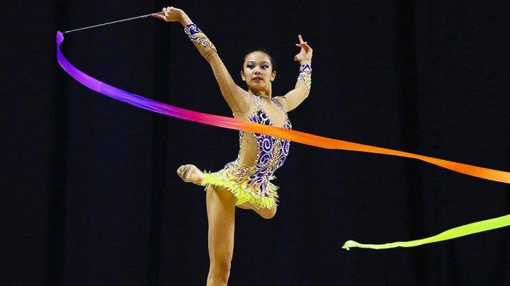 Gimnasta americană Laura Zeng a fost suspendată pentru o perioadă de şase luni
