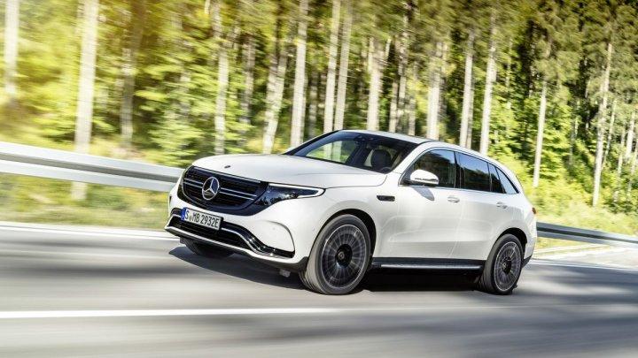 Mercedes va investi 20 de miliarde de euro pentru producerea bateriilor
