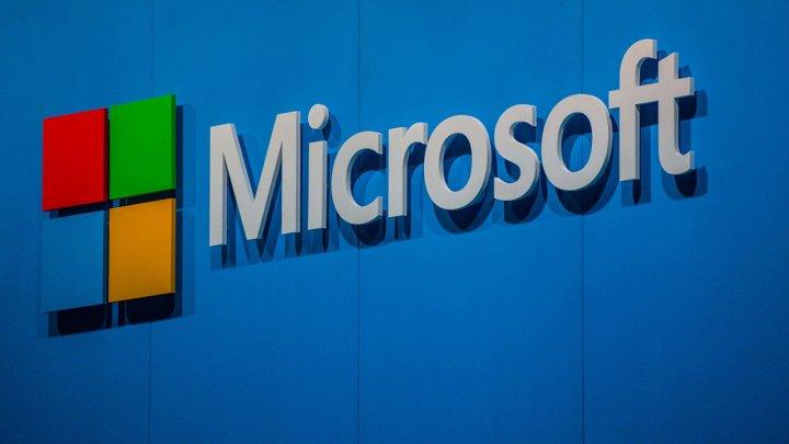 Microsoft depășește valoarea Apple și va termina anul bursier pe primul loc