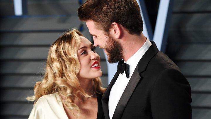 Cântăreaţa Miley Cyrus s-a căsătorit cu iubitul ei, actorul australian Liam Hemsworth