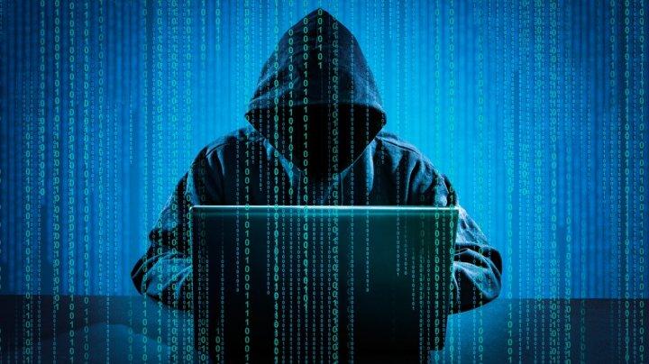 Tot mai mulţi moldoveni, victime ale hackerilor. Le clonează conturile de socializare şi cer sume enorme de bani
