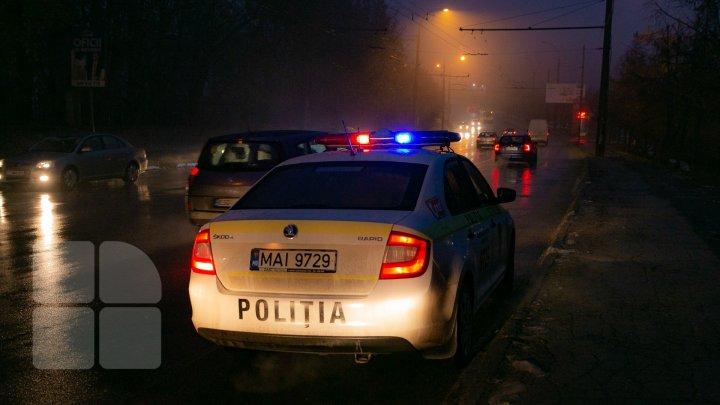 TE IAU FIORII! O șoferiță aflată în travaliu, a întâlnit, în drum spre maternitate, un echipaj de poliție. Ce a urmat este uimitor (VIDEO)