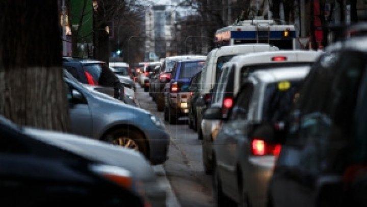 Infotrafic. Pe ce străzi din Capitală se circulă cu dificultate