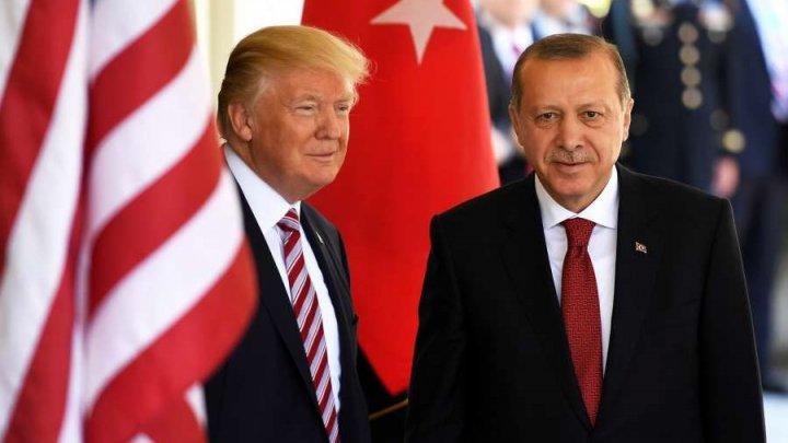 Donald Trump şi Recep Erdogan cheamă la încetări ale focului în Siria şi Libia