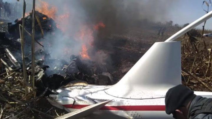 TRAGEDIE AVIATICĂ. Un elicopter plin cu lideri politici S-A PRĂBUŞIT în Mexic. Toţi pasagerii au murit (VIDEO)
