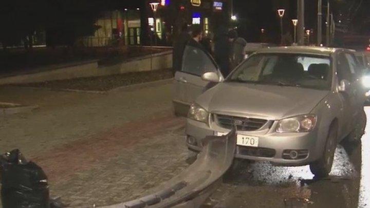 Nu a reuşit s-o şteargă. Un şofer beat, prins de o cameră la locul accidentului, după ce a tamponat o maşină din Capitală