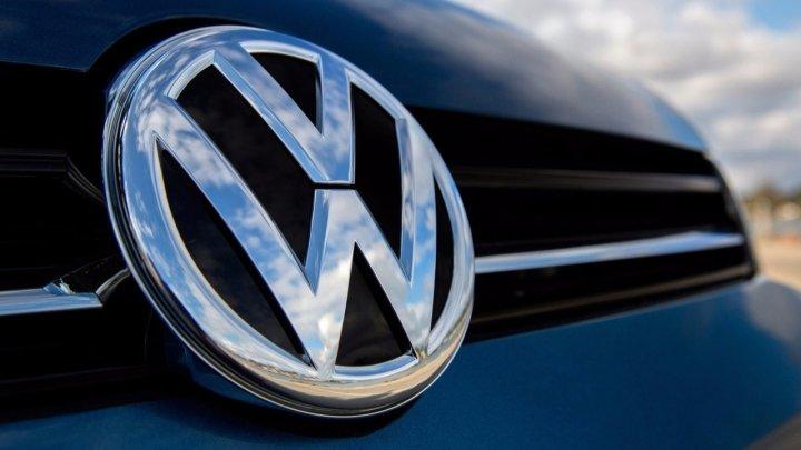 Percheziţii la sediul Volkswagen legate de manipularea emisiilor