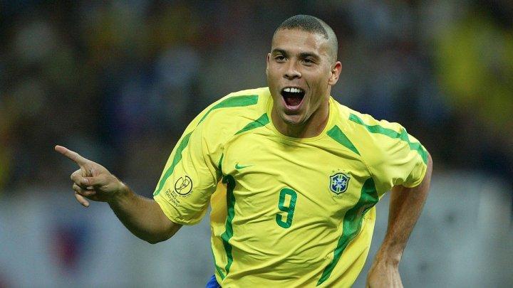 Brazilianul Ronaldo Nazario, în vizită în Ecuador pentru a-l urmări la lucru pe tânărul Stiven Plaza