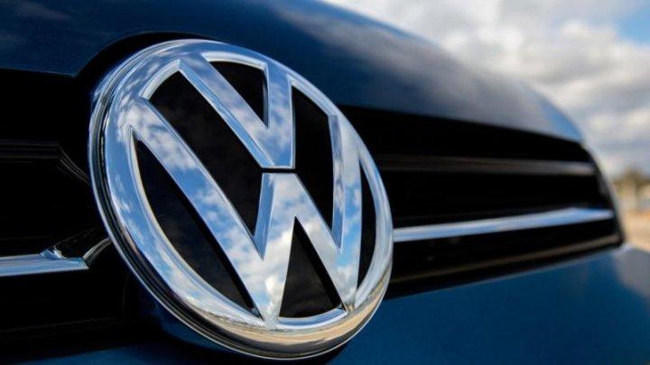 SURPRIZĂ pe piaţa auto: Volkswagen negociază o alianță cu un alt mare constructor