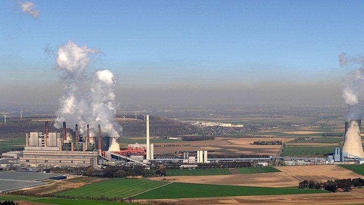 """""""Campioana europeană"""" la poluarea atmosferei, renunţă la centralele electrice. Germania va vota un proiect de lege până în 2038"""