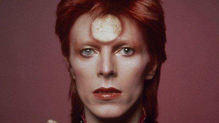 La trei ani după mortea legendarului David Bowie, noi piese vor fi lansate pe vinil