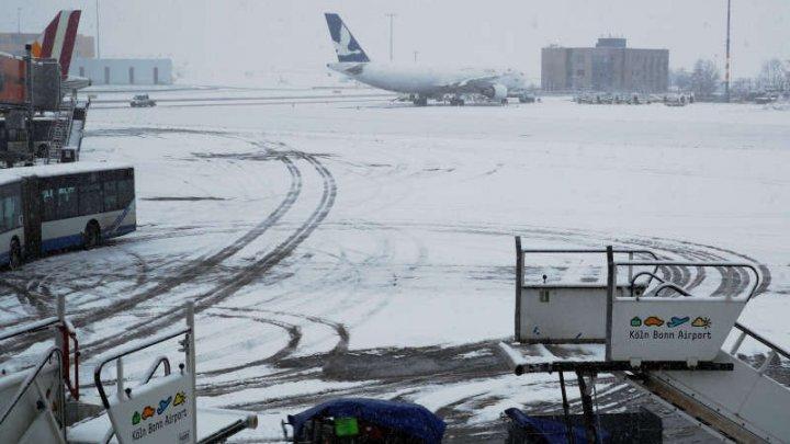 Un aeroport din Germania, închis joi dimineaţa din cauza unei furtuni de zăpadă