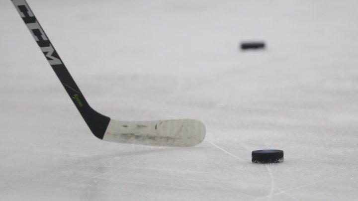 Confruntarea dintre Vancouver Canucks şi Florida Panthers, întreruptă pentru a face loc unei veritabile reprize de box
