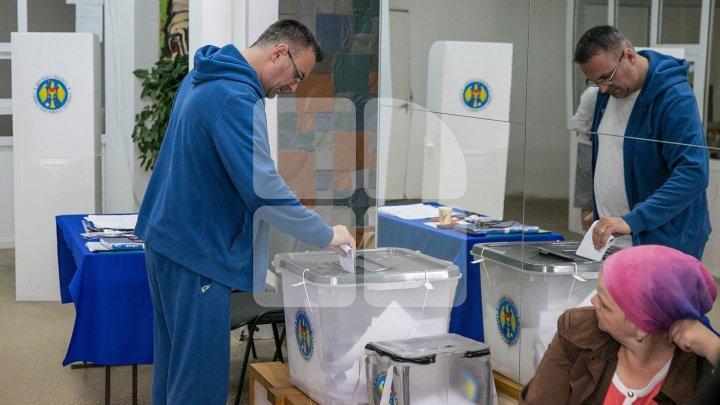 Numărul buletinelor şi secţiilor de vot VA FI DUBLAT la alegerile parlamentare din 24 februarie