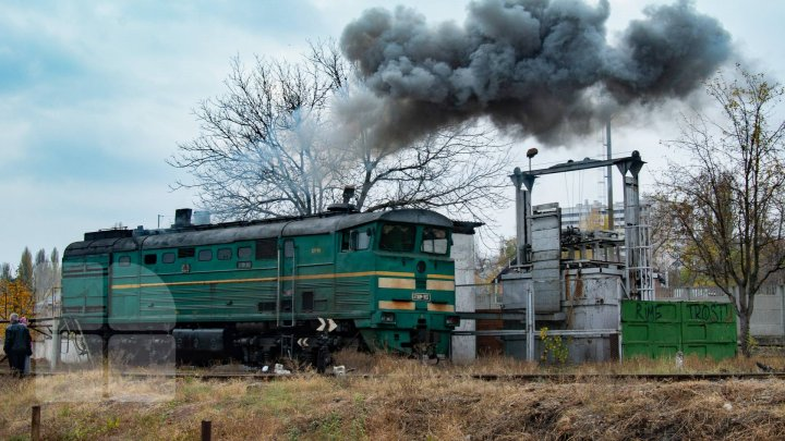 Acident feroviar tragic la Fălești. O femeie a murit la spital, după ce a fost lovită de un tren marfar