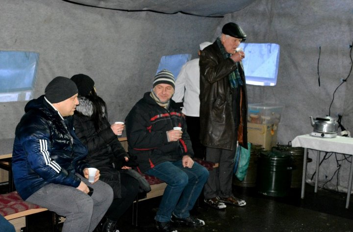 MĂSURI DE URGENŢĂ din cauza URGIEI ALBE. Zăpada şi viscolul s-au dezlănţuit în Moldova. Cum se circulă pe drumurile din țară