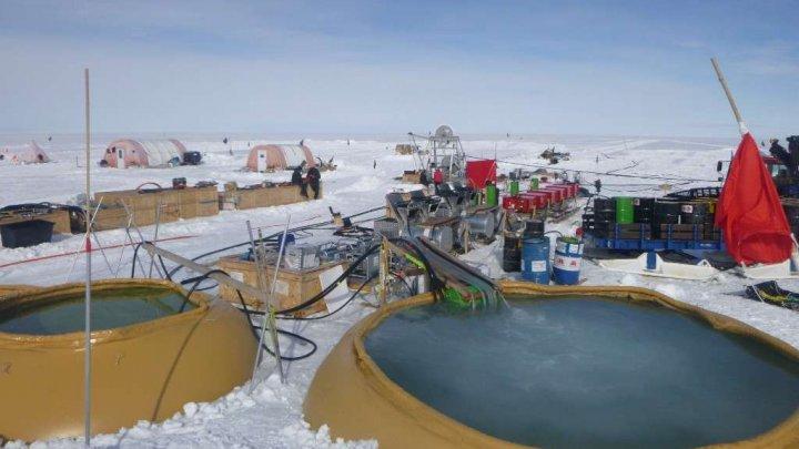 Un nou RECORD: Cercetătorii au reuşit să foreze la cea mai mare adâncime în Antarctica