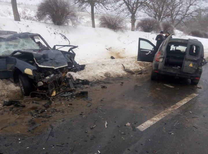 ACCIDENT FATAL în satul Bardar. UN MORT, iar trei persoane sunt în stare gravă la spital (IMAGINI CU PUTERNIC IMPACT EMOŢIONAL)