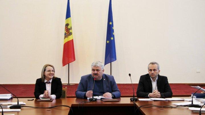 Igor Șarov a participat la o ședință de lucru privind organizarea examenelor și olimpiadelor școlare în anul 2019