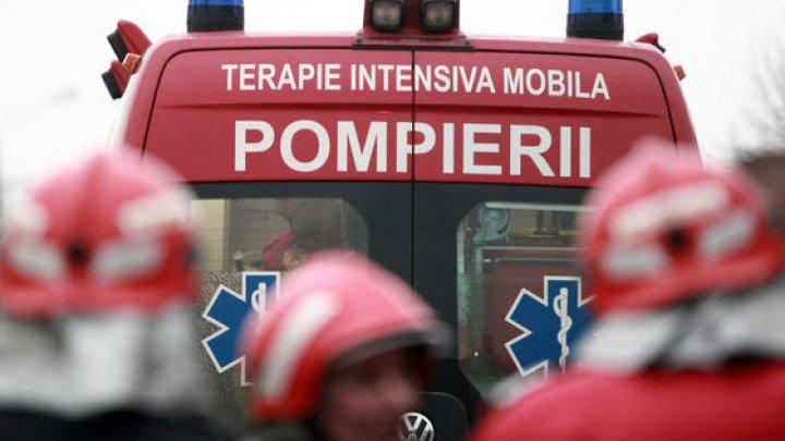Accident GRAV în România. Un autocar cu 23 de pasageri, lovit de un autovehicul. SUNT MORŢI ŞI RĂNIŢI