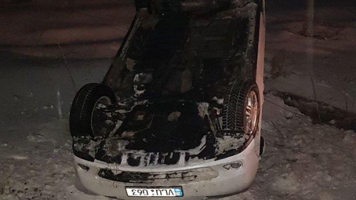 ACCIDENT GRAV la Strășeni. O mașină s-a răsturnat (FOTO)
