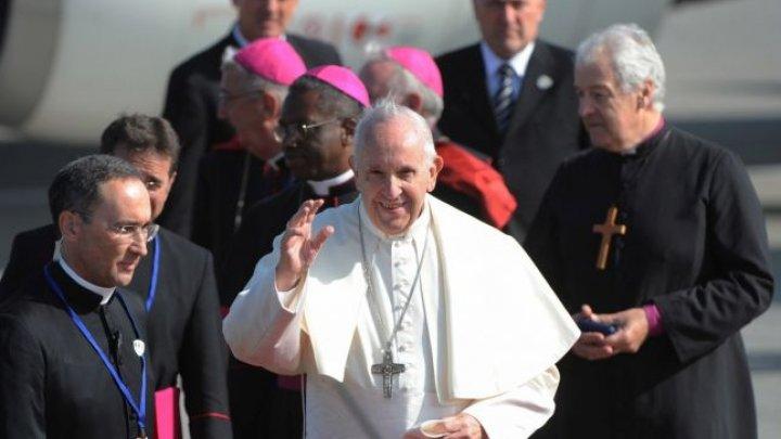 Primul mesaj al Papei Francisc în noul an: Lumea este complet conectată şi totuşi, pare din ce în ce mai dezbinată