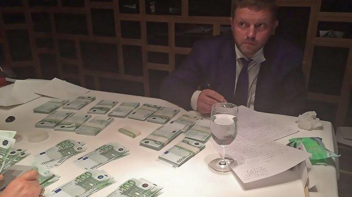 """Rusia va ierta oficialii CORUPŢI: """"Mita inevitabilă"""", introdusă de un NOU PROIECT DE LEGE"""