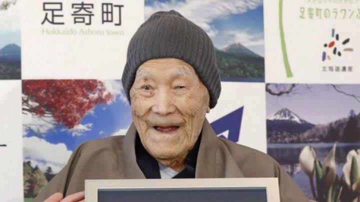 A murit cel mai bătrân bărbat din lume la vârsta de 113 ani