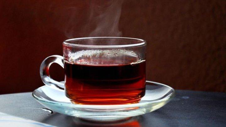 Ceaiuri pentru detoxifierea organismului: Păpădie şi sunătoare