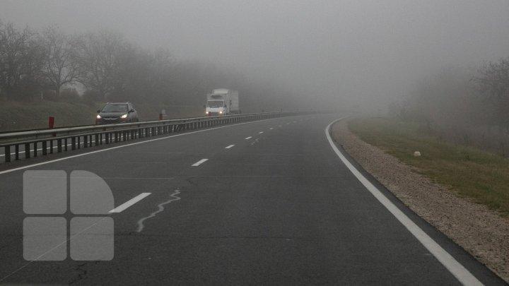 CONDUCEȚI CU ATENȚIE SPORITĂ! Ceață densă pe toate traseele din țară