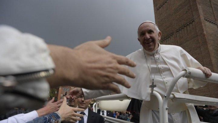 Papa Francisc VINE ÎN ROMÂNIA. Suvernul Pontif va ajunge şi la Iaşi