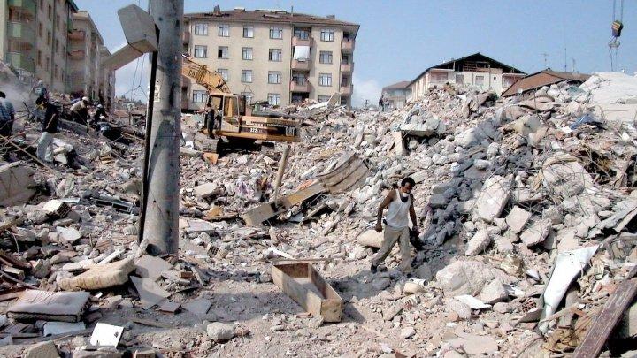 CUTREMURUL de 6,7 grade din Chile: Doi oameni ŞI-AU PIERDUT VIAŢA, iar zeci de clădiri au fost GRAV AVARIATE