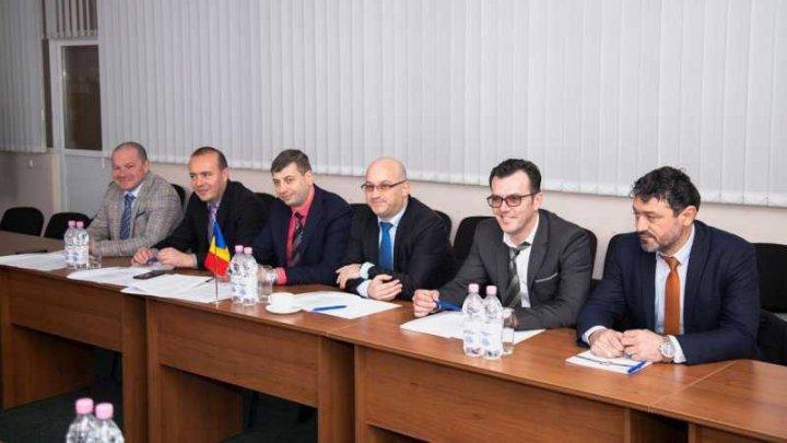 Moldova şi România îşi consolidează relaţiile dintre autorităţile de frontieră. O întâlnire în acest sens a avut loc la Chişinău