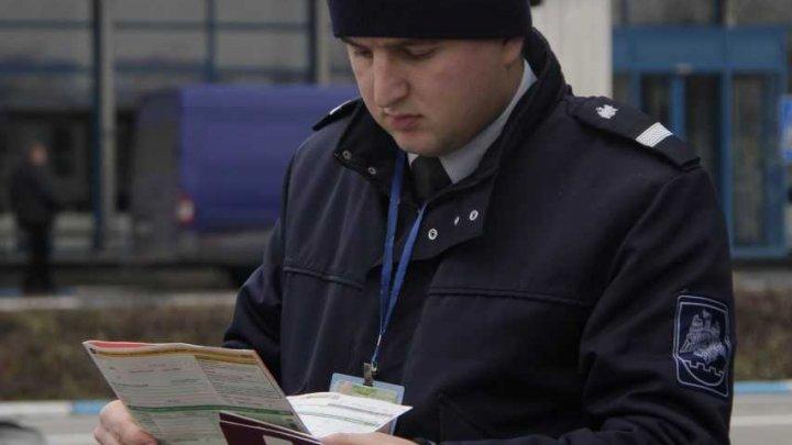 Deţineau ACTE false. Ce pedeapsă riscă doi moldoveni, care au încercat să traverseze hotarele ţării cu documentele falsificate