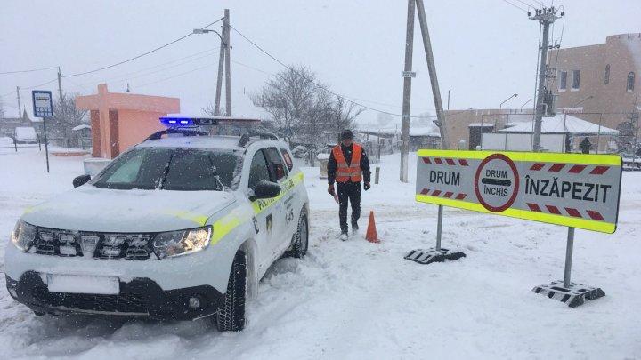 Cod galben de ninsoare abundentă în țară. Cum se circulă pe drumurile naționale (GALERIE FOTO)