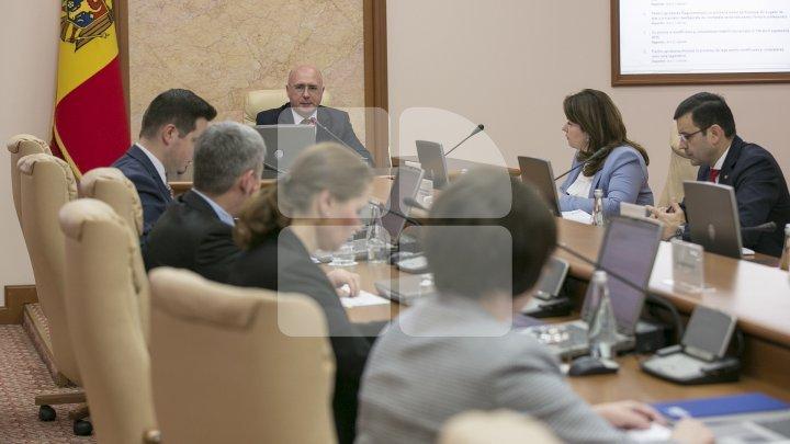 Guvernul a aprobat proiectul hotărârii privind piața produselor petroliere