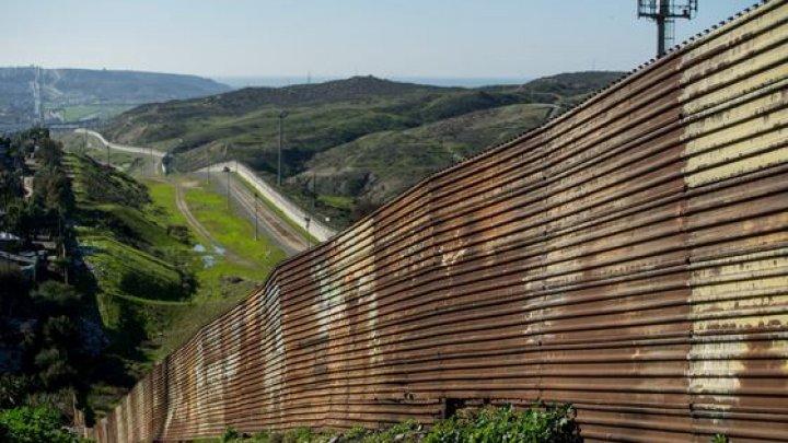 Zidul dintre SUA şi Mexic ar putea fi construit decenii la rând. Cât ar costa acesta
