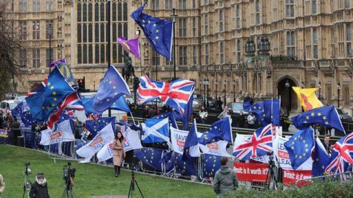 Uniunea Europeană va introduce controale vamale la frontiera dintre Irlanda şi provincia britanică Irlanda de Nord