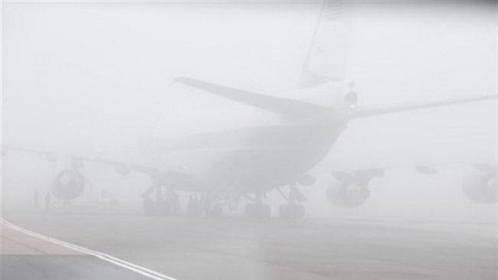 Trafic aerian perturbat. Mai multe curse au fost amânate sau anulate din cauza ceţii dense