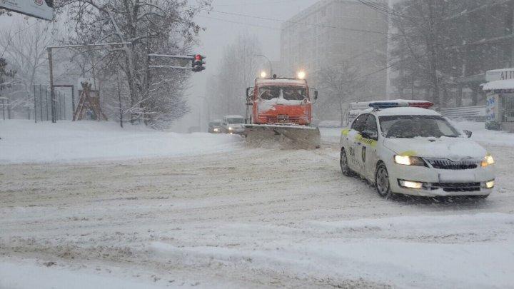 Comunicat de la Primărie: 36 de utilaje ajutate de polițiștii INP, intervin pe străzile din Capitală: Circulația transportului public