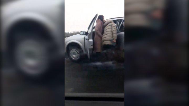 Accident violent pe podul de la Ismail. Un bărbat a murit după ce a făcut infarct la volan (VIDEO)